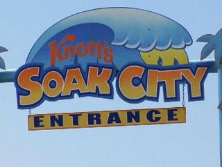 knotts-soak-city-sign-31339744.jpg