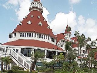 Hotel del Coronado visitors report illness