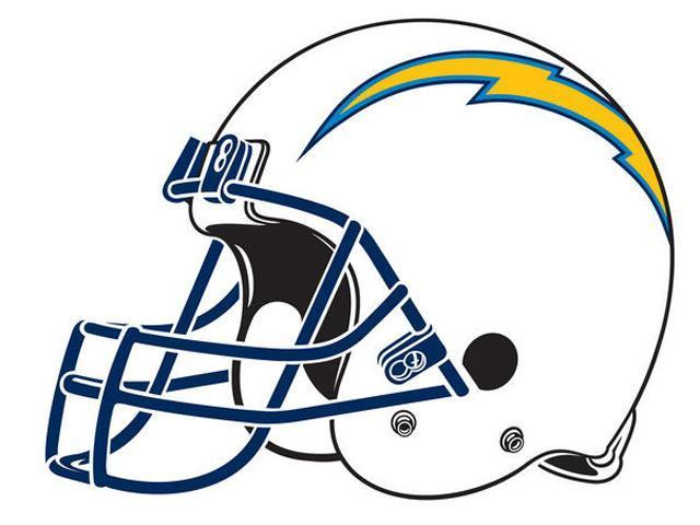 Raiders Fans Attack Chargers Fan Outside Bar 10news Com