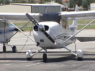 small_airplane_generic_1347324320238.jpg