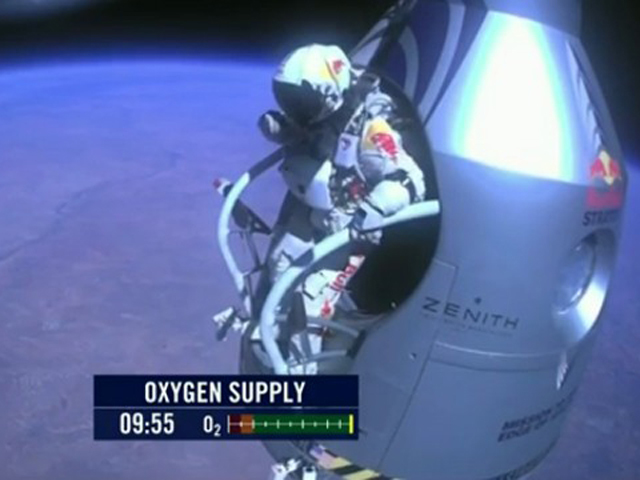 Skydiver About To Make Historic Space Jump 10news Com