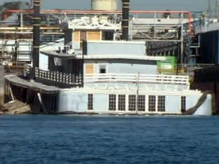 Reuben E. Lee floating restaurant