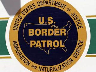 Border Patrol agent assaulted by fence climbers