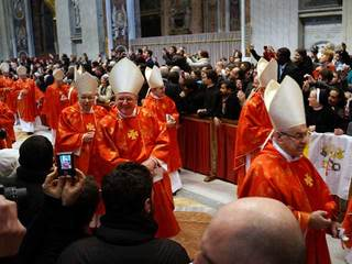 Cardinals at mass ahead of papal conclave