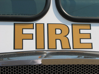 Fires off I-15 in Temecula area burn 10 acres
