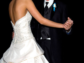 Crowdfunding helping couples pay for weddings