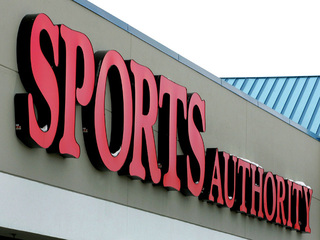 Sports Authority begins close-out sales