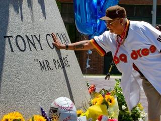 Tribute to Tony Gwynn: Public memorial Thursday