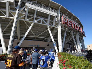 Padres host SF Giants in 2017 home opener