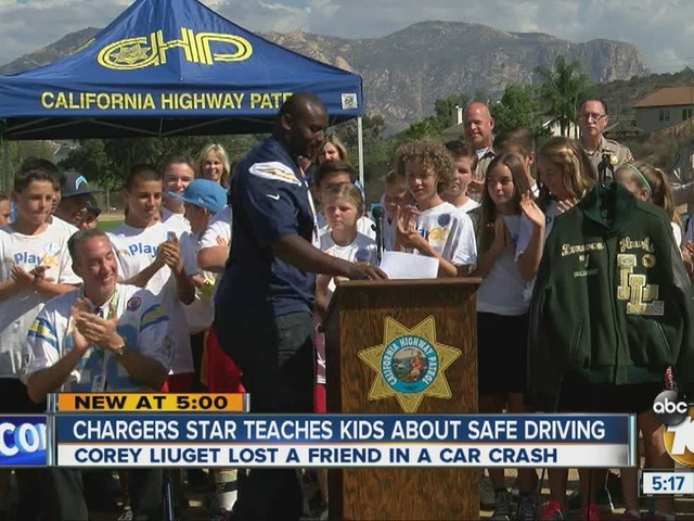 Chargers star teaches kids about safe driving