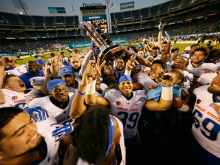 Boise State brings fireworks at Poinsettia Bowl