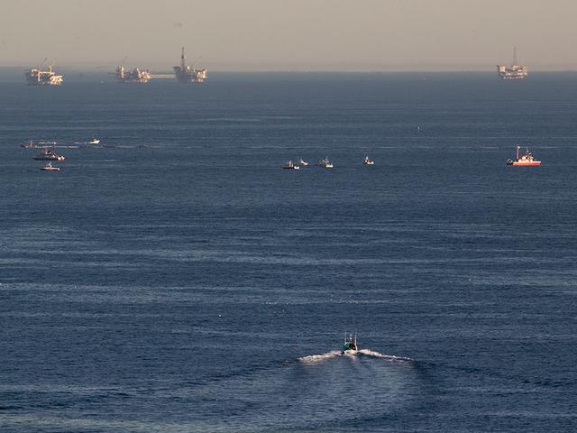 Planes collide mid-air near Los Angeles Harbor