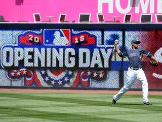 PHOTOS: Baseball is back!
