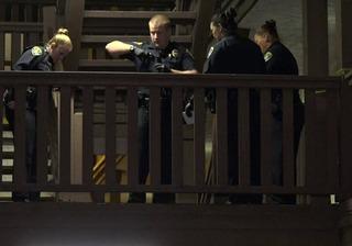 Investigan asesinato de hombre en motel