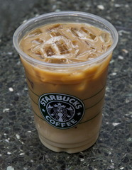 Suit: Starbucks overfills cold drinks with ice