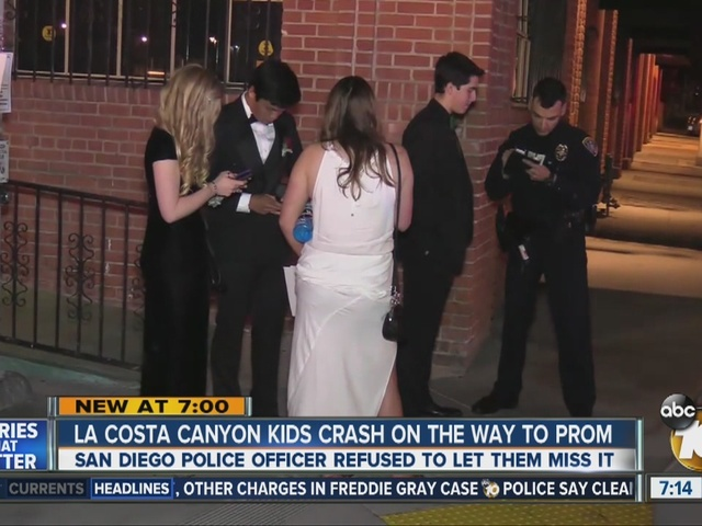 Officer helps teens get to prom after car crash
