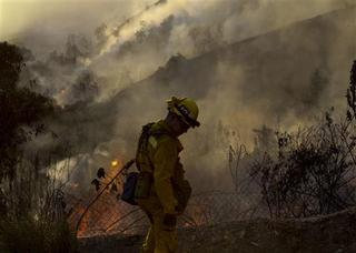 LA-area fires force hundreds to flee