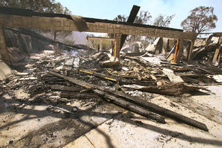 Santa Clarita's Sand Fire explodes to 33K acres