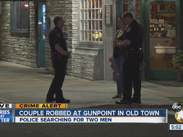 Couple robbed at gunpoint in Old Town