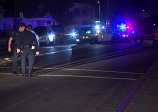Man wounded in car-to-car shooting in Stockton