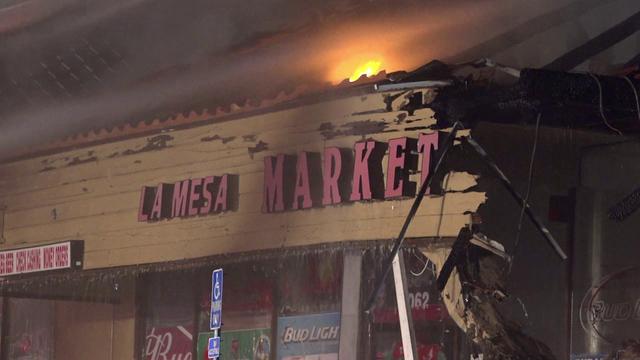 2 Alarm Blaze Rips Through La Mesa Liquor Store Kgtv Tv San Diego