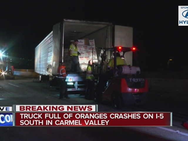 Big rig carrying oranges crashes in Torrey Pines