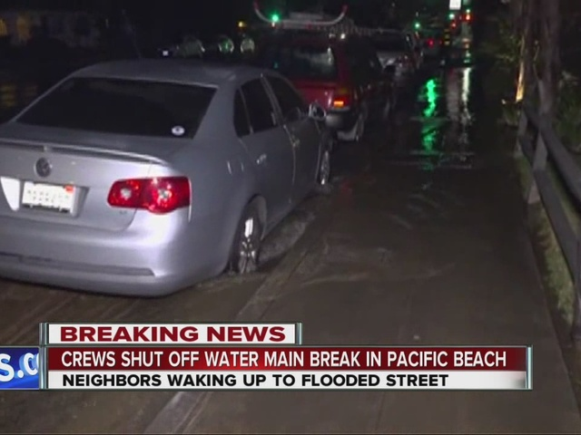 Water main break floods Pacific Beach streets, leaves homes without water