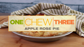 Thanksgiving dessert: Apple Rose Pie