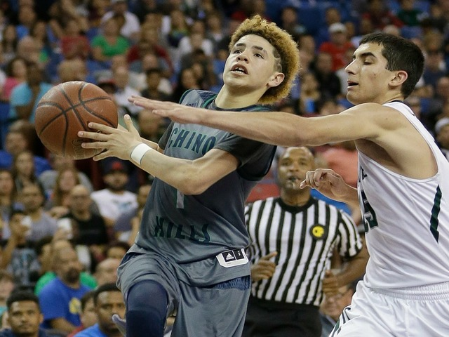 Lamelo Ball Younger Brother Of Ucla S Lonzo Ball Scores