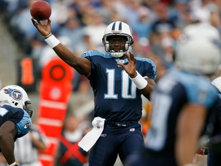 Vince Young wants to play football again