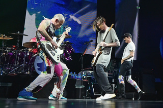 Chili Peppers, Pink to jam at Del Mar's KAABOO