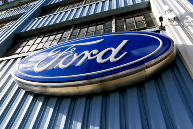 Ford recalling 52000 trucks because they may move in park
