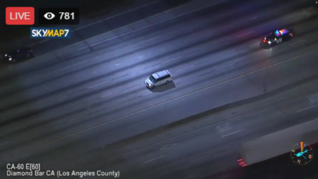 Minivan leads CHP on chase on 60 Freeway through Inland Empire