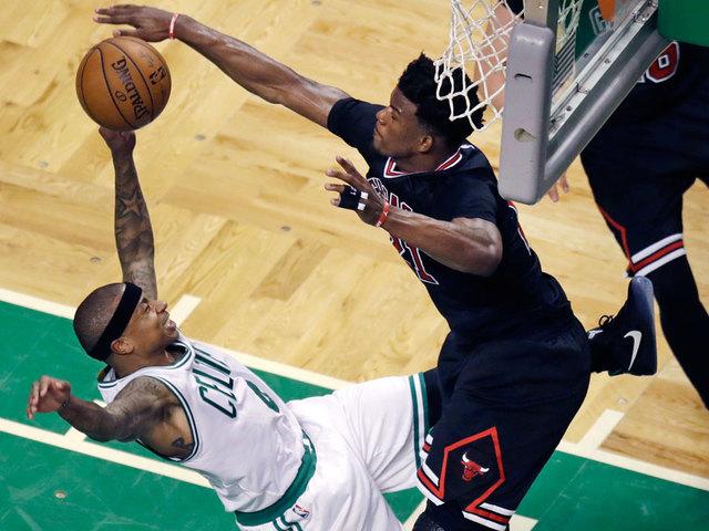 Bulls guard Rajon Rondo out indefinitely with broken thumb
