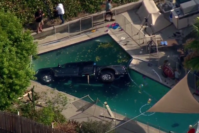 Truck careens into allied gardens swimming pool 10news for Allied gardens pool