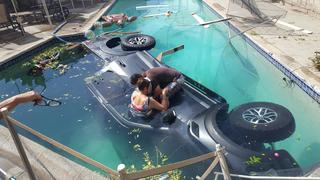 Truck careens into allied gardens swimming pool 10news for Allied gardens swimming pool