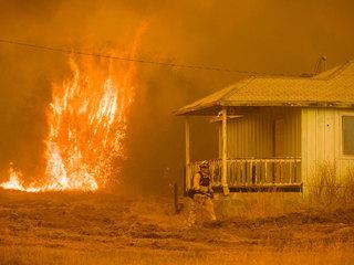 Mariposa evacuated as Detwiler Fire burns