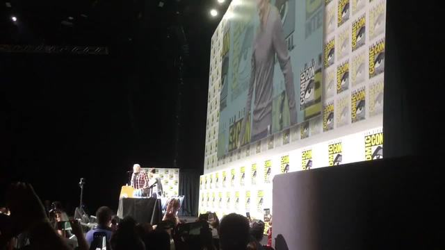 Fans wait for hours to see -Game of Thrones- cast at San Diego Comic-Con