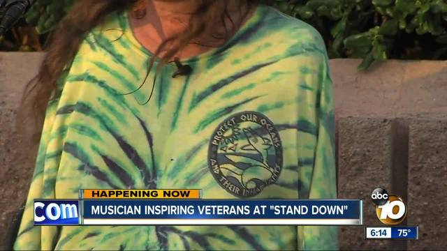 Musician inspires veterans at -Stand Down-