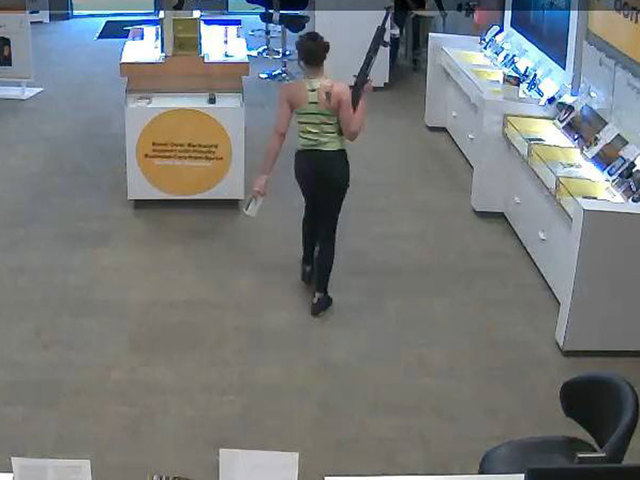 Woman uses 'assault rifle' to rob North Carolina Sprint store