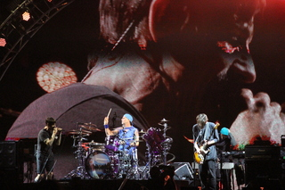 PHOTO: Red Hot Chili Peppers heat up KAABOO