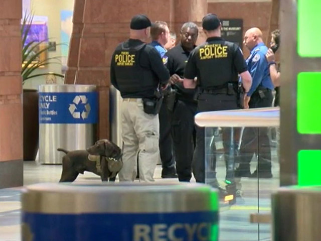"""Suspicious item at Sky Harbor closes checkpoints, ticket counters in Terminal 4"""""""