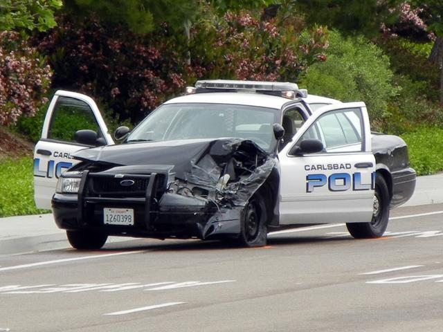 Carlsbad Police Cruiser Collides With Car Kgtv Tv San