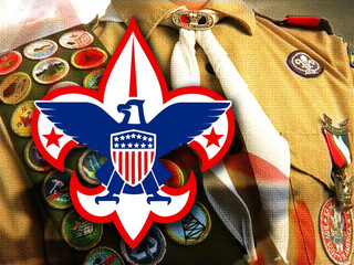 Boy Scouts approve plan to accept gays