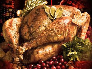 Peligros al freír el pavo de Thanksgiving