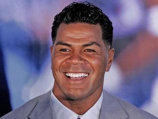Junior Seau's death being investigated as a suicide-10933