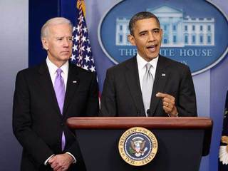 Obama Biden on gun violence-10933