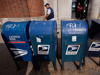 When to mail out holiday letters, packages