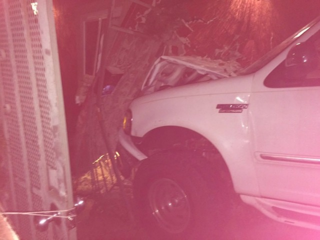 Suspected Drunk Driver Slams Into Car Building In University Heights Kgtv Tv San Diego