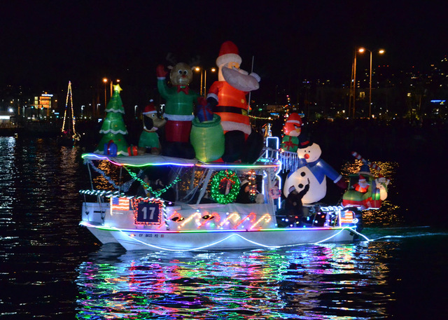 San Diego Bay Parade Of Lights Stunning Best Places To Watch The San Diego Bay Parade Of Lights 60News